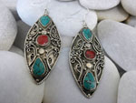 Tibetan artisanal ethnic earrings.. Ref. DBA