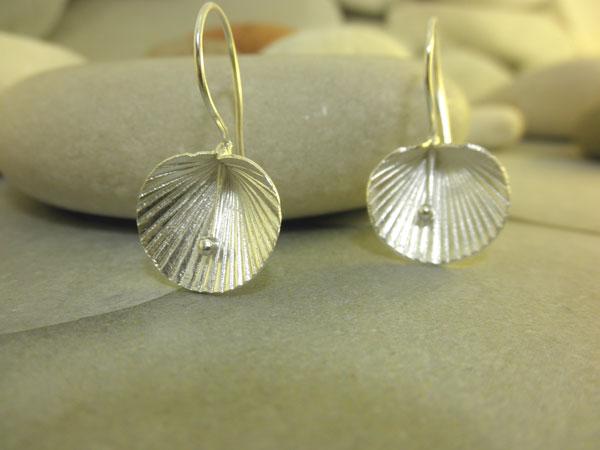 Pendientes etnicos artesanales de plata.. Foto 2
