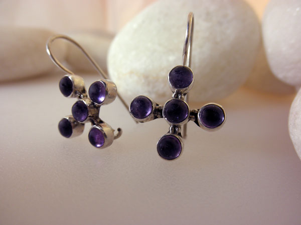 Ethnic Sterling silver and Amethyst earrings.. Foto 2