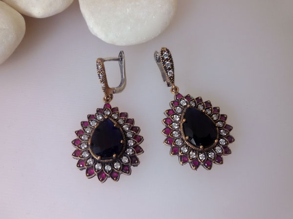 Ethnic Sterling silver with Sapphires, Topaz and Rubis gemstones earrings.. Foto 1