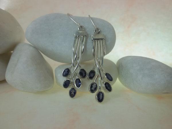 Sterling silver and Iolite gemstones earrings.. Foto 1