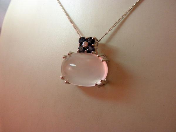 Sterling silver, Quartz ans Sapphires pendant.. Foto 2