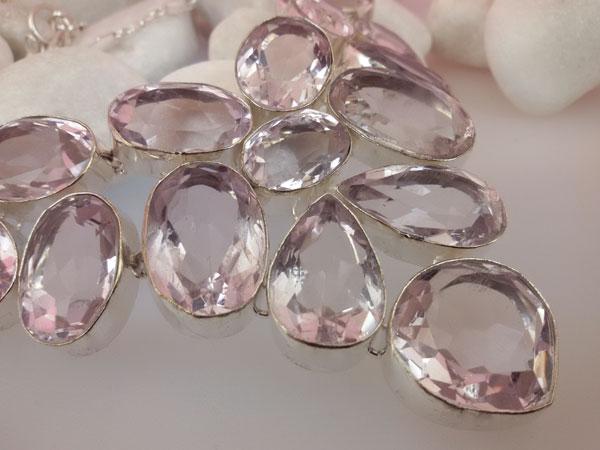 Collar de plata y gemas facetadas de Topacio Rosa.. Foto 2