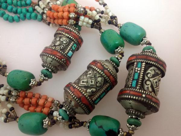 Antique Tibetan traditional necklace.. Foto 3