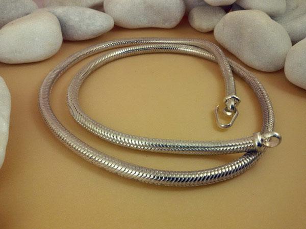 Sterling silver artisanal chain.. Foto 2