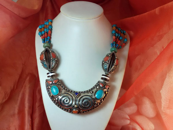 Tibetan ethnic necklace.. Foto 2