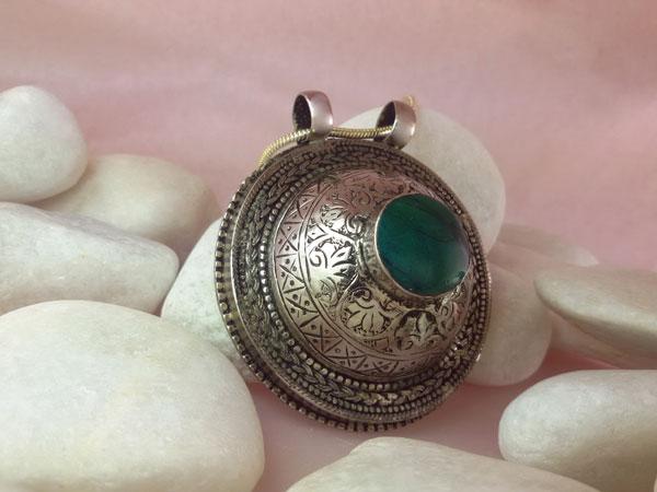Colgante artesanal de plata y Turquesa.. Foto 2