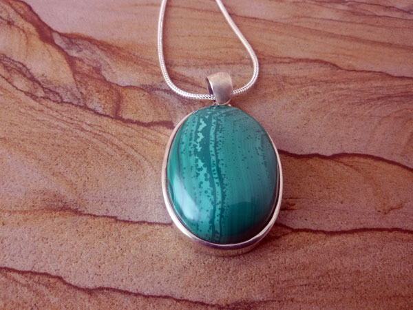 Malachite and Sterling silver pendant.. Foto 2
