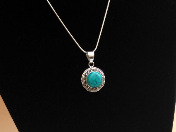Silver and Turquoise ethnic pendant.. Foto 2