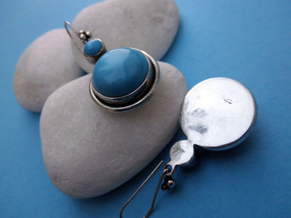 Handmade Sterling silver and Turqoise gemstones earrings.. Foto 3