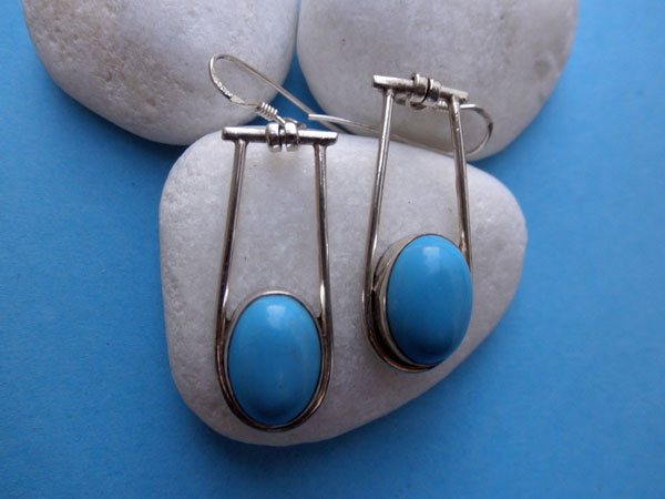 Handmade Sterling silver and Turqoise gemstones earrings.. Foto 1
