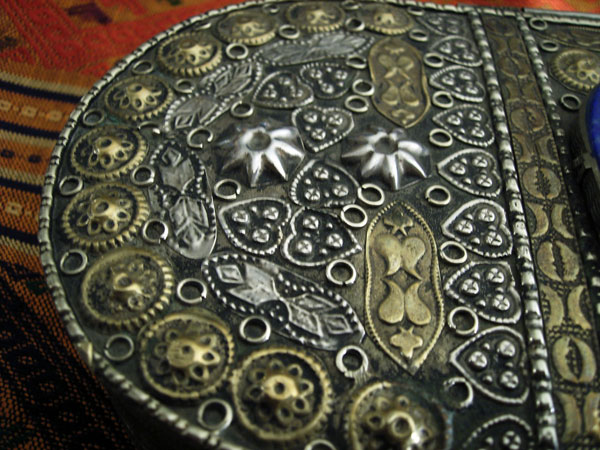 Antique handmade silver and bronze box from Tajikistan. Foto 2