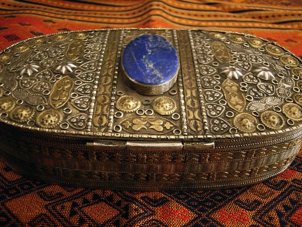 Antique handmade silver and bronze box from Tajikistan. Foto 3