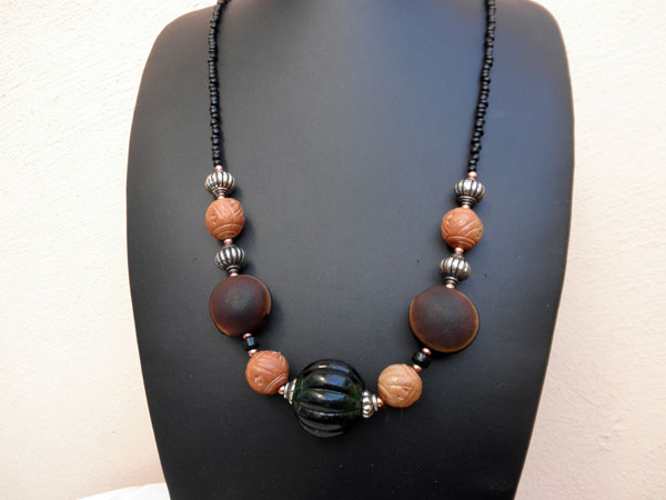 African handmade ethnic necklace.. Ref. JHV