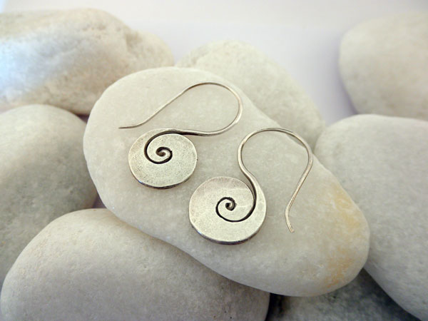 Karen traditional Sterling silver earings. Foto 2
