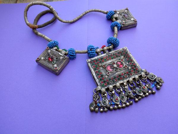 Collar etnico artesanal procedente de Afghanistan. Ref. JKK