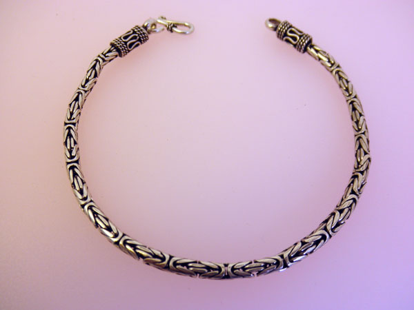 Sterling silver handcrafted bracelet from Bali.. Foto 1