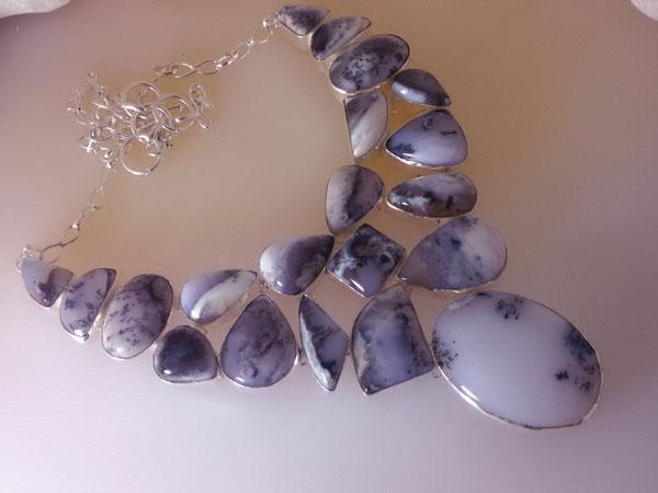 Collar de plata y gemas de opalo.. Ref. JMO