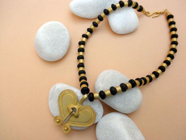 Collar etnico pre-colombino.. Foto 1