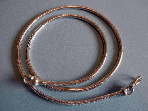 Cadena artesanal de plata de ley.. Ref. JSJ