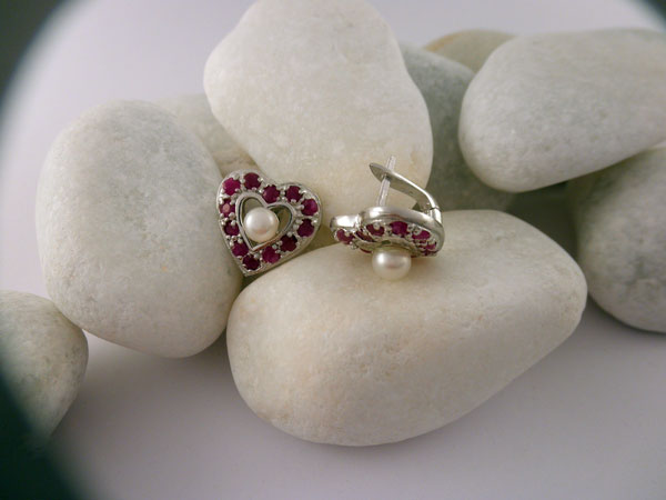 Handmade Sterling silver, rubis and Pearl earings. Foto 2