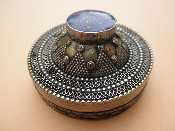 Caja de plata y lapis lazuli, Afghanistan. Ref. JVB