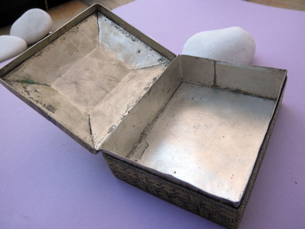 Antique silver, bronze and Agate box from Afghanistan.. Foto 3