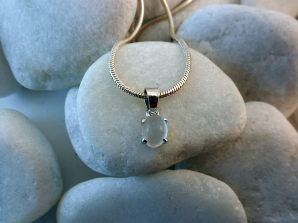 Sterling Silver and Adularia gemstone pendant.. Foto 1