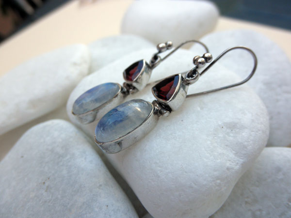 Silver earrings with Turmaline and Moonstone. Foto 2