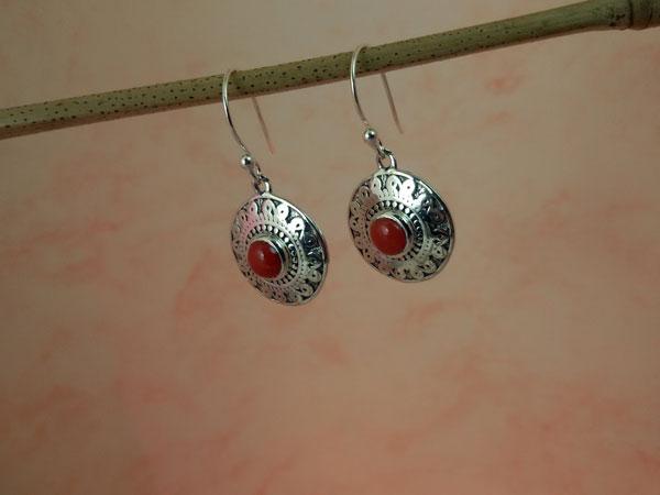 Pendientes artesanos de plata y Coral.. Ref. MCF
