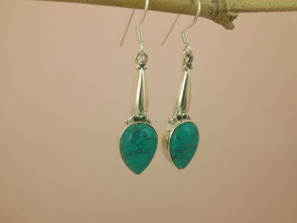 Pendientes artesanales de plata y gemas de Turquesa.. Ref. MDM