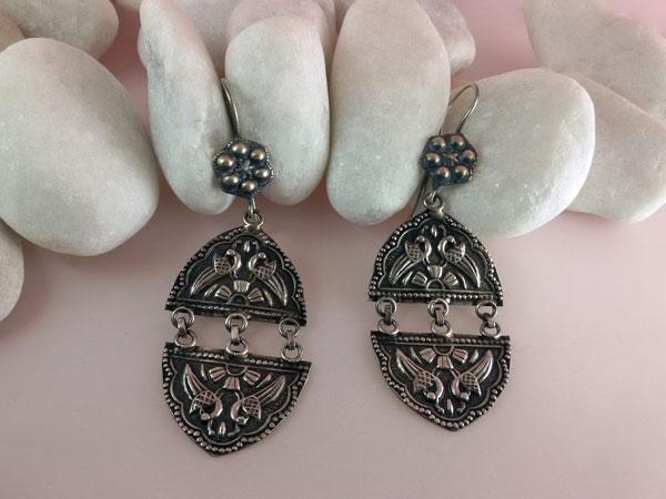 Ethnic Sterling silver earrings.. Foto 1