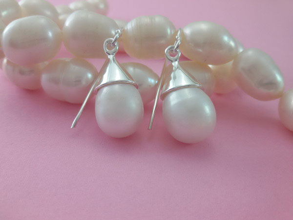Sterling silver and natural Pearl earrings.. Foto 1
