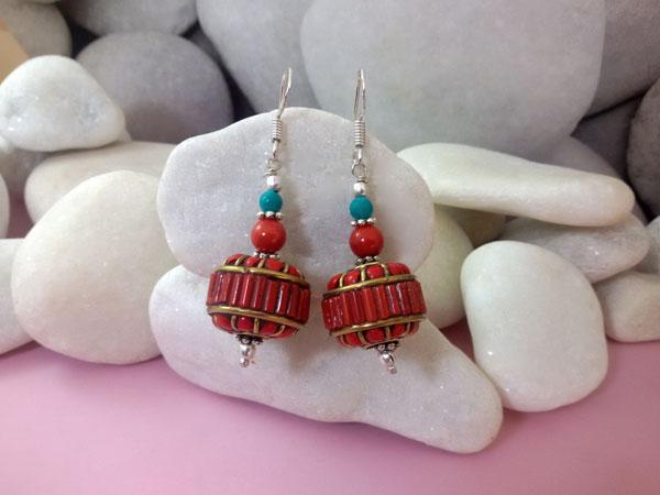Tibetan traditional earrings.. Foto 1