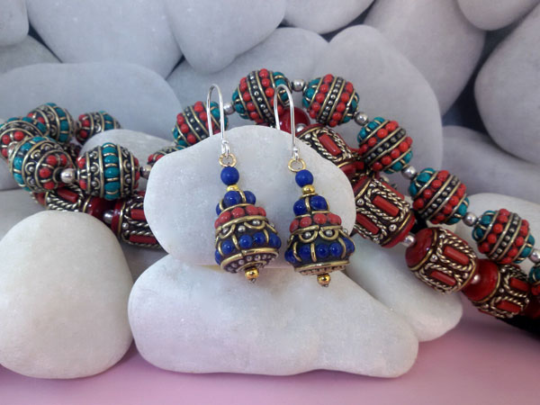 Tibetan traditional earrings.. Foto 2