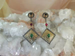 Elizabethans earrings with emeralds, ruby and sapphires.. Ref. MFV
