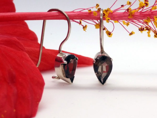 Sterling silver and smoky quartz earrings.. Foto 3