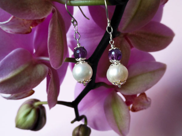 Pendientes de plata, amatista y perlas.. Ref. MHT