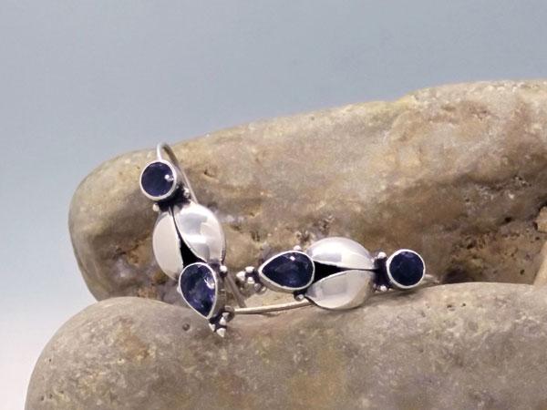 Pendientes de plata y gemas azules de Aiolita.. Ref. MHU