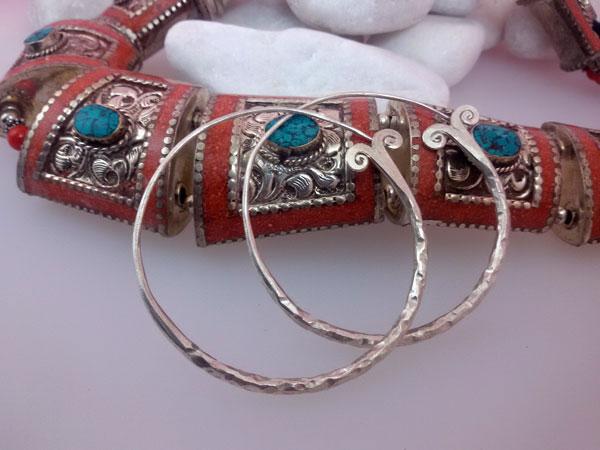 Pendientes etnicos artesanales de plata.. Ref. MIO