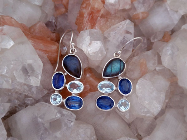 Sterling silver earrings and gems of Sapphires, Aquamarines and Labradorite.. Ref. MIS