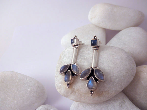 Handmade Sterling silver and Moonstone earings.. Ref. MIY