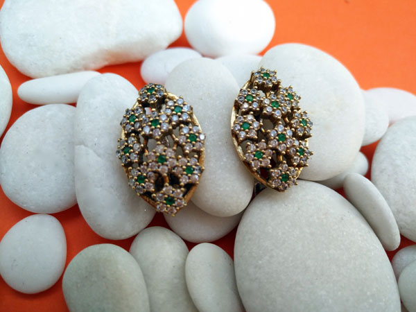 Ethnic silver, topaz and emerald earrings.. Foto 2