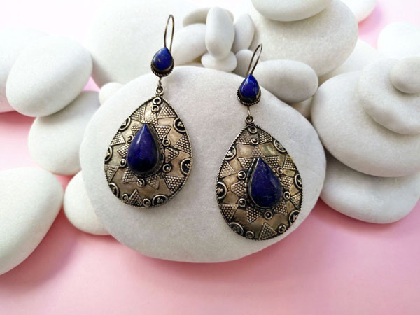 Antique handmade earrings with Lapis lazuli.. Ref. MJE
