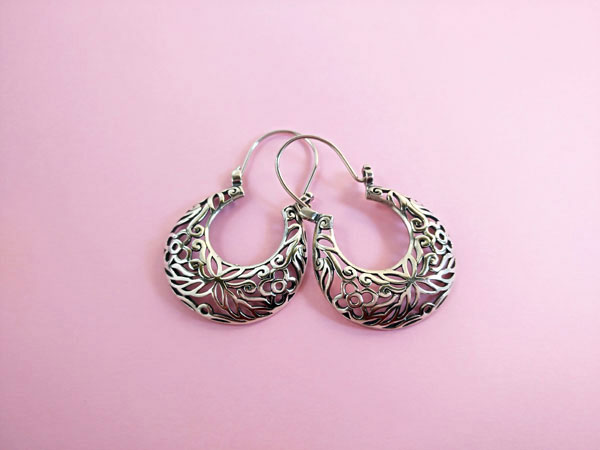 Ethnic Sterling silver earrings.. Foto 1