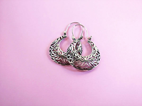 Ethnic Sterling silver earrings.. Foto 2