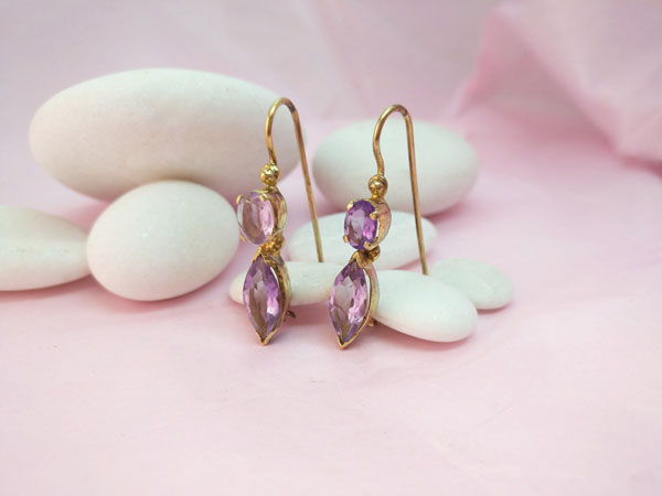 Ethnic earrings in gold-plated Sterling silver and amethyst gems.. Foto 2