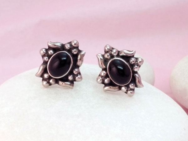 Ethnic Sterling silver and Onyx, black agate earrings,. Ref. MNR