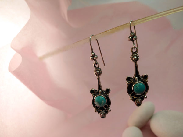 Ethnic silver and turquoise earrings.. Ref. MNV