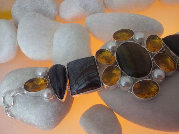 Sterling silver and gemstones bracelet.. Foto 2